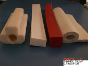 Silicone Stripe, Silicone Profile, Silicone Extrusion with 100% Silicone Rubber pictures & photos