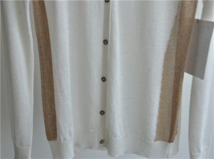 Ladie Round Neck Cardigan Patterned Knitwear with Button pictures & photos
