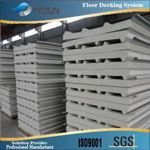 PU Sandwich Roofing Panel pictures & photos