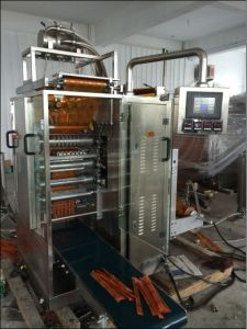 Ice Wate Four-Side Sealing Packing Machine with Many Flavors pictures & photos