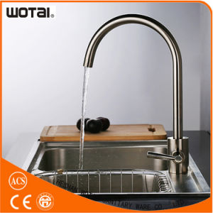 Fashionable Kitchen Faucet with Double Handle pictures & photos