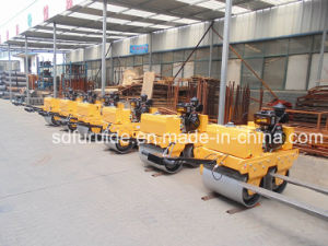 Diesel Walk Behind Vibratory Mini Road Roller Compactor for Sale (FYL-S600C) pictures & photos