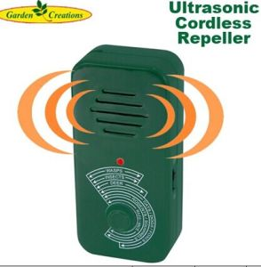 Portable Ultrasonic Pest Repeller Zt12014 pictures & photos
