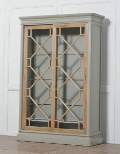Brief and Delicate Cabinet Antique Furniture pictures & photos