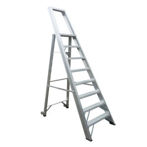 Aluminum Alloy Step Ladder with Guardrails and Casters pictures & photos