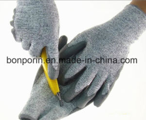 High Quality UHMWPE Fiber Cut Resistant Glove for Promotion pictures & photos