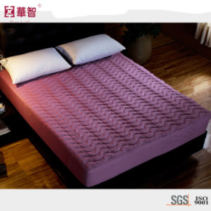Solid Color Microfiber Quilted Fitted Sheet pictures & photos