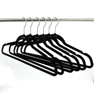 Black New Fashion Velvet Hanger, Multifunctional Velvet Hanger, Hot Sale Plastic Hanger pictures & photos