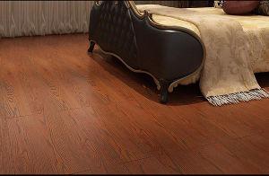 Embossed-in-Register (EIR) HDF Laminate Floor AC3 pictures & photos