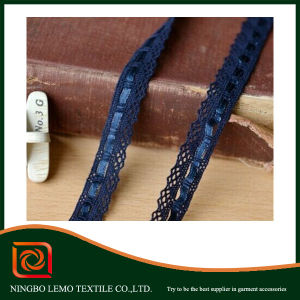 The Narrow Side of Cotton Lace with The Color Ribbon pictures & photos