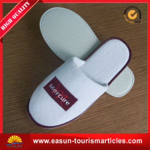 Factory Direct Sale Custom Personalized Hotel Slipper pictures & photos
