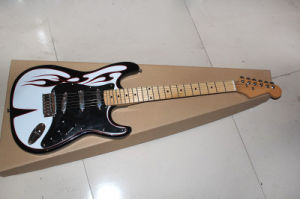Hanhai Music/St Style Electric Guitar with Maple Neck pictures & photos