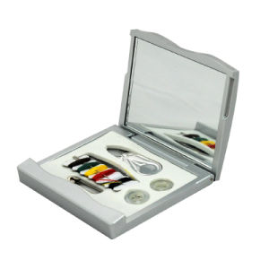 Hot Sell Convenient Sewing Kit with Mirror, Promotion Travel Mini Sewing Kit Set
