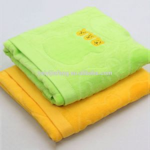 Wholesale Soft Jacquuard Emboidered 100% Cotton Bath Towel Set
