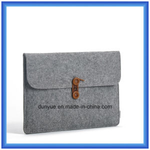 Young Design New Material of 70% Content Wool Felt Laptop Sleeve, Customized Portable Laptop Briefcase Bag with Button Closing pictures & photos