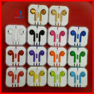 Mobile Phone Earphone& Headphone with Mic and Remote pictures & photos