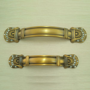 Zinc Alloy Furniture Handle Pull Cabinet Handle (453.8310) pictures & photos