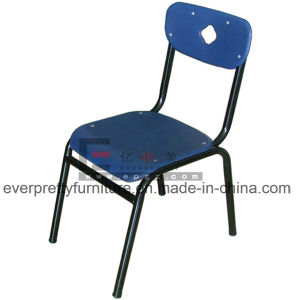 8 Dollars Promotion Plastic School Student Chair in Stock pictures & photos