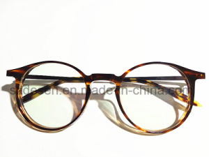 Custom Ultrathin and Ultralight Antique Tortoise Shell Optical Frames pictures & photos