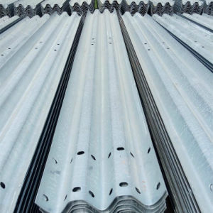 Hot DIP Galvanized Thrie Beam Highway Guardrail with ISO 1461 pictures & photos