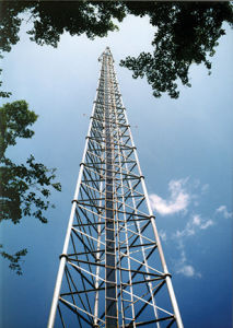 Three Legged Tubular Galvanized Telecommmunication Tower pictures & photos