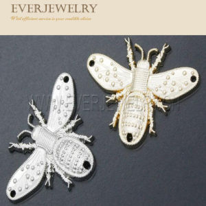 Zinc Alloy Custom Logo Butterfly Metal Logo pictures & photos