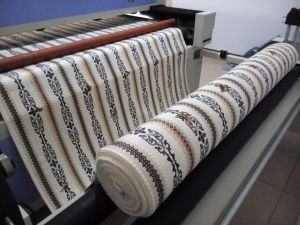 Fabric Laser Cutting Machinery for Print T Shirt Looking for Agent pictures & photos
