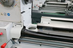 Horizontal Gap Bed Lathe (Gap Bed Lathe Machine CA6140 CA6240) pictures & photos