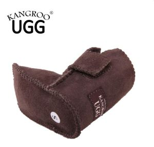 High Quality Merino Sheepskin Newborn Baby Shoes pictures & photos