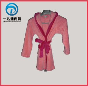 Girl′s Coral Fleece Bathrobe with Hat