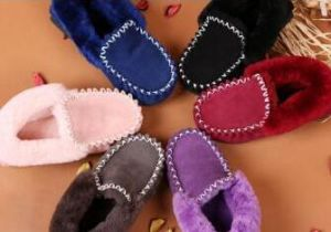 Classic Sheepskin Moccasin Casual Shoes in Pink for Women pictures & photos