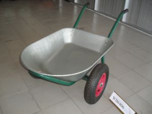 Galvanized Tray Water Capacity 75L Wheel Barrow pictures & photos