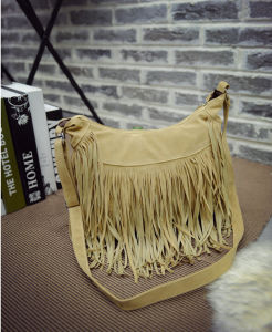 Hot Sale Fashion Colleage Girls Hand Bags with Tassel for Lady pictures & photos