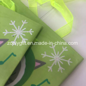 Small Glitter Snow Printing Mini Gift Paper Bags pictures & photos