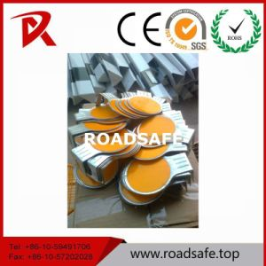 Road Safety Traffic and Road Round Plastic Highway Reflective Delineators pictures & photos
