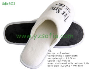 Disposable 100% Cotton Hotel Slippers with Embroidery