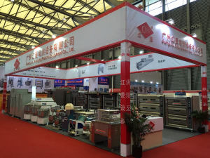 Single Deck/Three Tray Gas Oven with Mechanical Control Digital Display pictures & photos