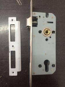 (Zinc alloy door handle lock (502q951) pictures & photos