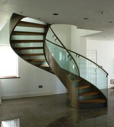 Glass Staircases with Bent Stinger/Glass Spiral Staircase pictures & photos