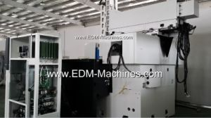 Head Move CNC EDM Sinking Machine pictures & photos