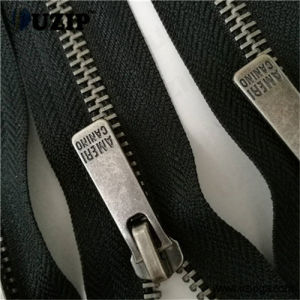 Zipper Manufacturers Custom Zipper Pulls Wholesale / Metal Jacket Zipper / Zip Fastener