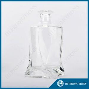 750ml Twisted Square Liquor Bottle Glassware (HJ-GYTN-C04) pictures & photos