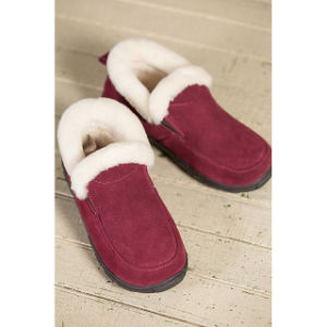 Women′s Shearling-Lined Suede Slipper Shoes pictures & photos