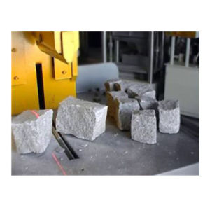 Marble Granite Splitting Machine to Make Paving Cobble Stones (P90) pictures & photos