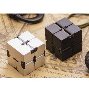 2017 New Toys Magic Plastic Infinity Fidget Cube pictures & photos