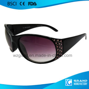 Fashionable Unbreakable Custom Logo Personal Eyewear Men Sunglasses pictures & photos