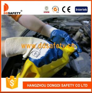 Ddsafety 2017 Knitted Wrist Blue Nitrile Coated Working Gloves pictures & photos