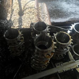 Special Item Sprocket with Shaping Machine pictures & photos