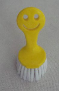 Mini Smile Face Kitchen Dish Brush pictures & photos