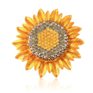 Gold Plated Rhinestone Classical Style Sunflower Brooch for Lady pictures & photos